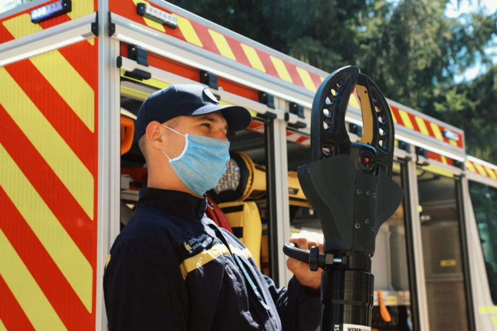 ГСЧС Украины получила специальные аварийно-спасательные машины среднего типа САРМ-С, которые укомплектованы инновационным аварийно-спасательным оборудование ТМ Weber Rescue