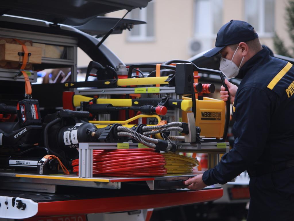Спасатели получили 80 специальных аварийно-спасательных машин, которые укомплектованы инновационным аварийно-спасательным оборудование ТМ Weber Rescue