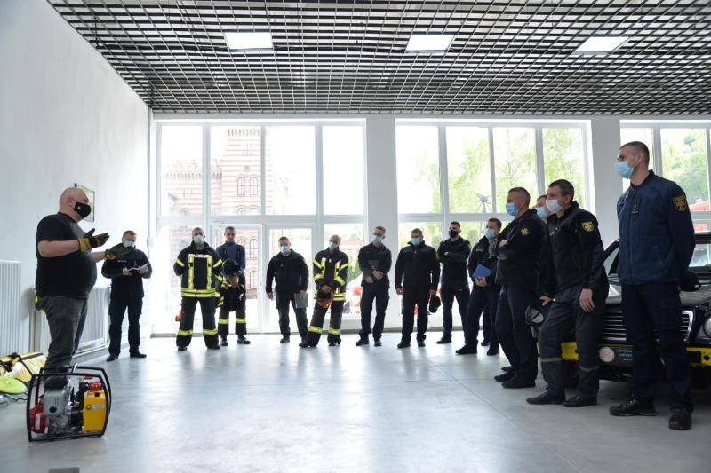 Во Львовском государственном университете безопасности жизнедеятельности проведены занятия по безопасному и надлежащего использования пневматического и гидравлического аварийно-спасательного оборудования ТМ WEBER RESCUE